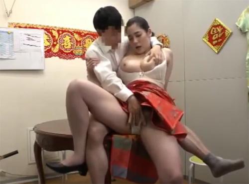 中国式エステでフェラチオ性的サービスの様子隠し撮りキョニュ動画