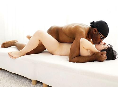 黒人が女子大生に規格外のチンポを女性が見たい/a 複数の穴に挿入しまくり絶頂する性交動画